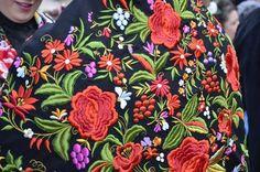 Pañuelo de mil colores. Parte tradicional del traje típico de la Vera.Madrigal de la Vera, Caceres, Spain.
