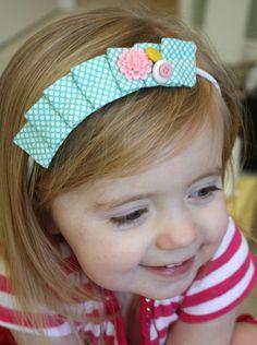 craftiness is not optional: pleated headband tutorial How To Make Headbands, Cute Headbands, Headband Tutorial, Diy Headband, Sewing For Kids, Baby Sewing, Headband Hairstyles, Diy Hairstyles, Bow Hair Clips