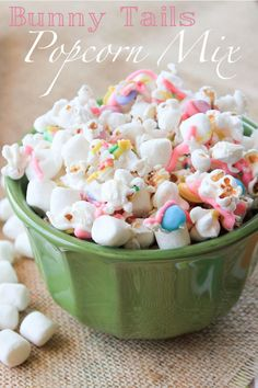 Bunny Tails Popcorn Mix - a perfect addition to any Easter basket! #WiltonTreatTeam
