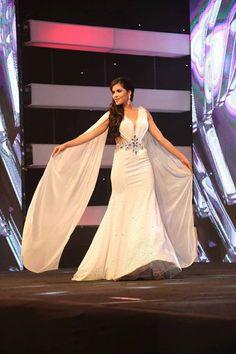 Daniela Cepeda Miss Ecuador 2017 ayer desfilando en traje de gala.  Pueden revivir la gala de coronación en: https://www.youtube.com/user/MissEcuadorOficial/videos