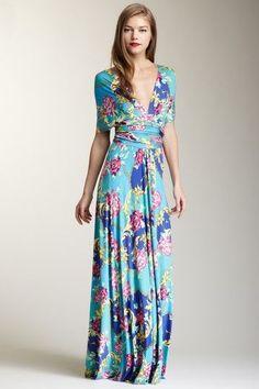 Dans le style robe porte-feuille, un exemple de jolie forme. La Dame.