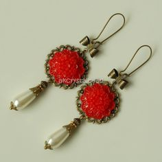 Red flower cabochon and cream glass pearl drop earrings. PRP0030