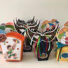 Personalizados tema carnaval produzidos por Mônica Guedes