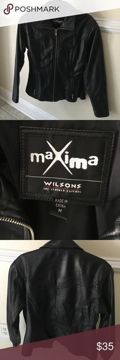 Gorgeous black leather jacket Wilson's sz M Beautiful black leather zip up women's  2 zip pockets on side 18 inches pit to pit. 23 inches from shoulder to bottom of jacket Wilsons Leather Jackets & Coats