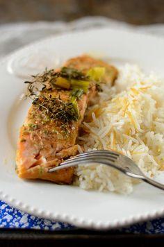 J'adore la papillote de saumon au four car je trouve qu'avec une telle cuisson, il reste bien tendre et savoureux...