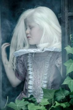 Fairy-Tale Portraits of Colombian Albinos Photo credit: Alejandro Vásquez Triana Modelo Albino, Albino Girl, Albino Model, Beautiful Babies, Beautiful People, White Blonde Hair, Pose, Pink Eyes, Famous Women