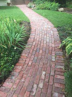 Brick walkway from reclaimed bricks. Brick Pathway, Paver Walkway, Flagstone Paving, Concrete Walkway, Paving Stones, Pool Landscape Design, Garden Design, Garden Stones, Garden Paths