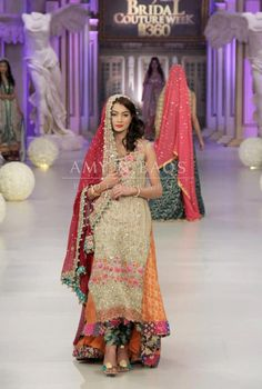 Couture Bano: Tabassam Mughal at Pantene Bridal Couture Week 2012 Pakistani Couture, Pakistani Bridal Wear, Pakistani Wedding Dresses, Pakistani Outfits, Indian Outfits, Asian Bridal Dresses, Bridal Outfits, Indian Dresses, Indian Bridal Fashion