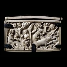 Ivory casket with scenes from the Romances