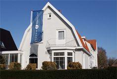 Hotel-Restaurant Koogerend  Nederland waterland. Waar is dat beter terug te vinden dan op het grootste waddeneiland Texel één van de beroemdste stukjes vaderland omgeven door water. De vakantie begint al op de boot! In het plaatsje Den Burg aan de rand van het centrum vindt u Fletcher Hotel-Restaurant Koogerend.  EUR 29.50  Meer informatie  #vakantie http://vakantienaar.eu - http://facebook.com/vakantienaar.eu - https://start.me/p/VRobeo/vakantie-pagina