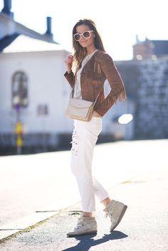 nettenestea-outfit-frynse-jakke-hvit-jeans-antrekk-mote-blogg.jpg