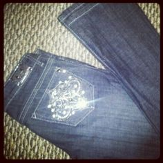 H Jeans w bling and white stitch  Www.daniellesilveira.vaultdenim.me for order details!