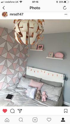 Decoração no estilo blogueira, além de enfeites e quadros estilosos para você se inspirar. Com decorações de closet, Home Office e tudo para você se sentir inspirada na decoração de seu lar. Acesse já: thaislinhares.com | @thaislinhrs