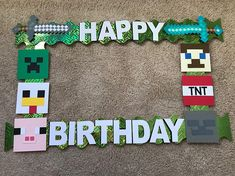 Minecraft photo booth frame for that creative little boys birthday party!!! Size: 20x 30 ***colors may vary depending on availability*** ***no returns or refunds since its a made to order item*** Feel free to send any inquiries