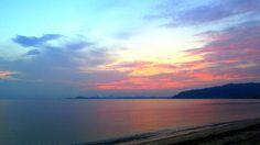 08 Sept. 5:54 朝焼け(sunrise glow)の博多湾です。
