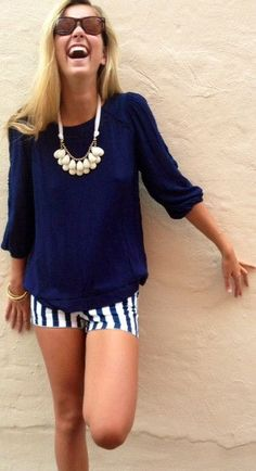 love this all navy look