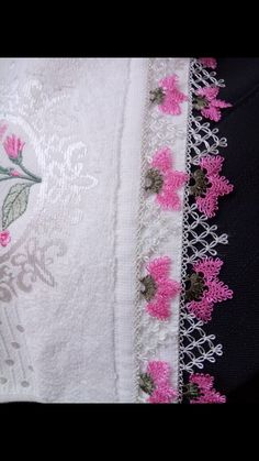 This Pin was discovered by Scl Saree Tassels, Fru Fru, Needle Lace, Linen Bedding, Floral Tie, Tatting, Diy And Crafts, Shabby Chic, Quilts