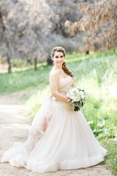 Blush princess gown: http://www.stylemepretty.com/little-black-book-blog/2015/05/19/romantic-spring-wedding-at-smog-shoppe/ | Photography: Koman Photo - http://komanphotography.com/