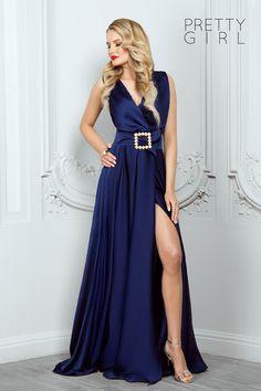 Dark blue v-neck dress with pearls details - Pretty Girl Blue V, Dark Blue, Pearl Dress, Summer Events, Blue Satin, V Neck Dress, Summer Girls, Nasa, Pretty Girls