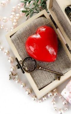 key to my heart Love Heart Images, Love You Images, Heart Pictures, I Love Heart, Key To My Heart, Heart Art, Heart Wallpaper Hd, Iphone Wallpaper, Valentine Heart