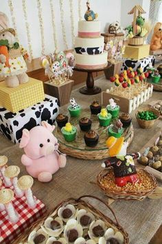 Discover recipes, home ideas, style inspiration and other ideas to try. Farm Animal Party, Farm Animal Birthday, Cowgirl Birthday, Farm Birthday, 2nd Birthday Parties, Birthday Ideas, Farm Themed Party, Barnyard Party, Farm Party