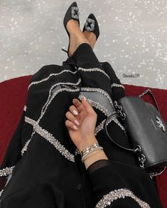Modern Hijab Fashion, Modesty Fashion, Arab Fashion, Hijab Fashion Inspiration, Muslim Fashion, Fashion Outfits, Mode Abaya, Mode Hijab, Luxury Lifestyle Fashion