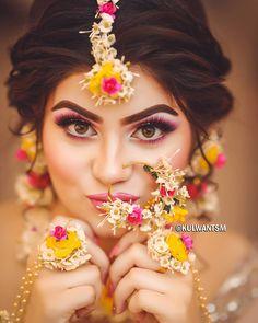 Bridal Makeup Trends for 2019 for a modern bridal look! Bridal Makeup Trends for 2019 for a modern bridal look! Bridal Makeup Trends for 2019 for a modern bridal look! Bridal Makeup Trends for 2019 for a modern bridal look! Asian Bridal Makeup, Pakistani Bridal Makeup, Best Bridal Makeup, Bridal Makeup Looks, Indian Bridal, Wedding Makeup, Wedding Wear, Wedding Jewelry, Bridal Poses