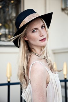 Poppy Delevingne Shows Off Her It-Brit Style #refinery29