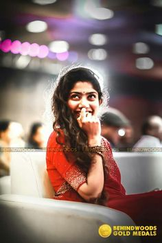 Behindwoods Gold Medals 2017 - The Memorable Wallpapers - Event high quality HD photos & stills Beautiful Girl Indian, Beautiful Girl Image, Beautiful Smile, Beautiful Indian Actress, Beautiful Actresses, Love Couple Images, Cute Love Couple, Sai Pallavi Hd Images, Samantha In Saree