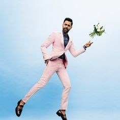 From black tie to 'festive attire,' The Daily Show's Hasan Minhaj shows you how to suit up for every kind of wedding dress code. Summer Wedding Outfits, Summer Outfits Men, Summer Suits, Wedding Summer, Trendy Wedding, Best Mens Fashion, Star Fashion, Gq, Hasan Minhaj
