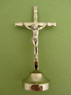 Croix avec Christ socle adhésif