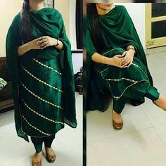 #pintrest@Dixna deol Designer Punjabi Suits Patiala, Punjabi Suits Designer Boutique, Patiala Suit Designs, Boutique Suits, Indian Designer Suits, Indian Suits, Kurta Designs, Blouse Designs, Indian Wear