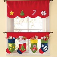50 Traditional and Modern Christmas Window Decorations Christmas Sewing, Christmas Projects, Holiday Crafts, Holiday Decor, Modern Christmas, Christmas Home, Xmas, Merry Christmas, Christmas Kitchen