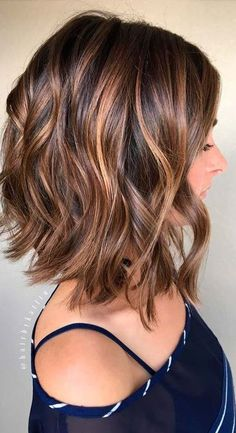 Lob Hairstyle, Cool Hairstyles, Curled Bob Hairstyle, Medium Hair Styles, Curly Hair Styles, Curly Lob, Haircut For Thick Hair, Haircut Bob, Long Bob Layered Haircut