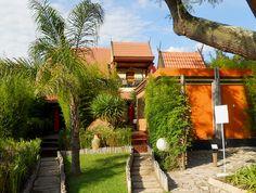 Lala Thai « Midrand Conference Centre Centre, Golf Courses, Pergola, Sidewalk, Villa, Outdoor Structures, Conference, Inspiration, Beautiful