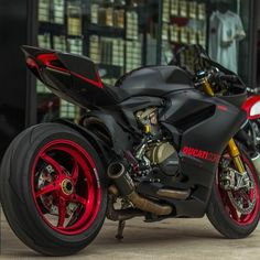 Skililo : shared from The Ducati Cafe and FB Honda Bikes, Ducati Motorcycles, Super Bikes, Ducati 1199 Panigale, Ducati Hypermotard, Custom Sport Bikes, Ride Out, Moto Cross, Futuristic Motorcycle