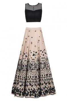 New Dress Long Indian Anarkali Style Ideas Lehenga Designs, Pakistani Outfits, Indian Outfits, Indian Clothes, Indian Attire, Indian Wear, Indian Anarkali, Hippy Chic, Lehnga Dress