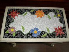 Mesa em mosaico flores