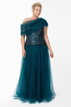 Sequin and Tulle Ball Gown in Starry Night - Plus Size Evening Shop | Tadashi Shoji ~ Classique 50s
