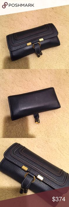 1 Hr Sale ! Chloe Marcie Wallet Excellent preloved condition . Beautiful grained black leather . Zippered pocket . 12 slots for credit cards . Chloe Bags Wallets #womensbags