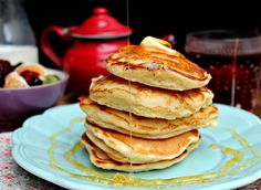 Old-Fashioned Buttermilk Pancakes: thick and fluffy, just like the way the should be! - honey & figs