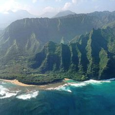 Kauai's Na'Pali Coast from above. Photo courtesy of giekatz on Instagram.