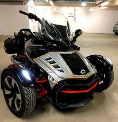Boy Toys, Toys For Boys, Can Am Spyder, Reverse Trike, Bike Art, Custom Bikes, Spiders, Type 3, Motorcycles