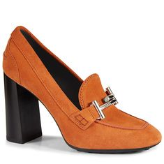 Explore Tod's women's low and mid heel pumps from the new collection. Shop online for boots, heels, flat shoes, sandals, trainers and more. Orange Pumps, Orange Shoes, Orange Orange, Suede Leather Shoes, Suede Pumps, Tods Shoes, Block Heel Shoes, Court Shoes, Heeled Mules