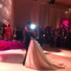 Noivinhas de Luxo : Primeira dança - Sofia Vergara & Joe Manganiello!!...