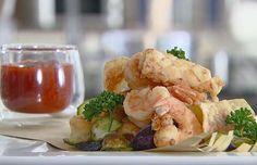 Fritto di calamari, mazzancolle e chips di verdure