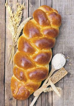 Home cooks will get great pleasure from making this buttery and flaky brioche Pastry Recipes, Dessert Recipes, Desserts, Bread And Pastries, French Food, Tart, Sandwiches, Good Food, Appetizers