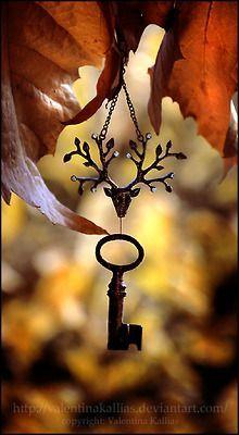 old keys and fall colors, love. Samhain, Mabon, Under Lock And Key, Deco Nature, Old Keys, Beltane, Vintage Keys, Antique Keys, Key To My Heart