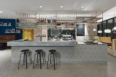 Café Pause, Ostfildern-Nellingen. Ein Projekt von Ippolito Fleitz Group – Identity Architects, Oberflächen.