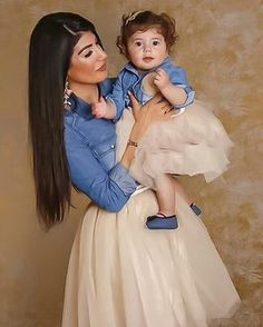 Cute and Stylish Matching Mother-Daughter Outfits Mother Daughter Fashion, Mother Daughter Matching Outfits, Mommy And Me Outfits, Mom Daughter, Matching Family Outfits, Girl Outfits, Mom Dress, Baby Dress, Little Girl Fashion